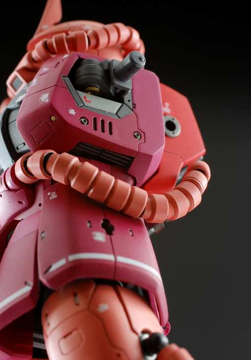 RG-Zaku-detail-3.jpg